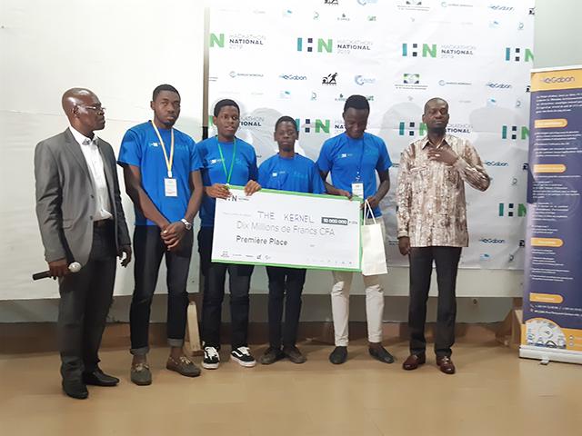 Hackathon national: Le sacre du groupe The Kernel à Franceville – Gabonreview.com